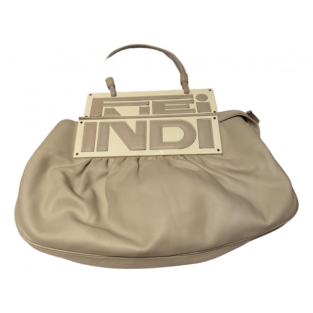 Fendi Peekaboo regular pocket White Leather handbag for Women \N