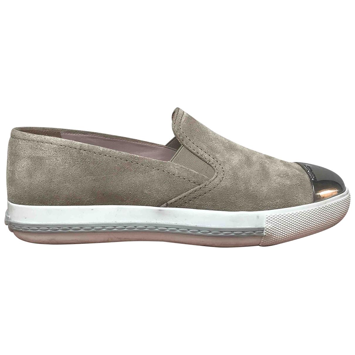 Miu Miu \N Sneakers in  Beige Veloursleder