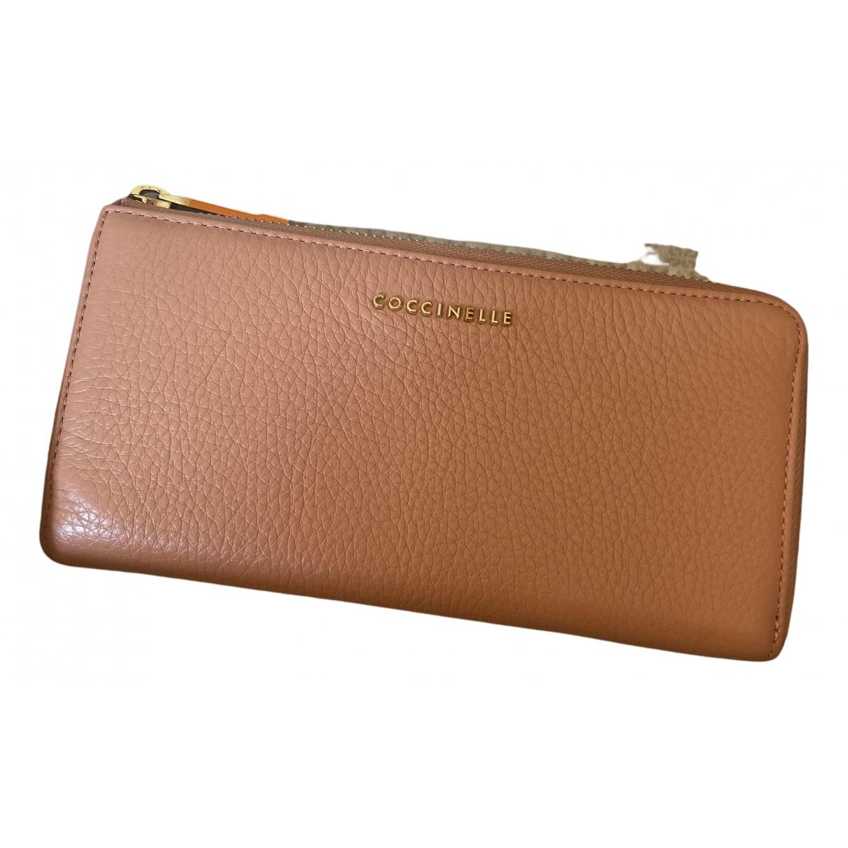 Coccinelle \N Portemonnaie in  Rosa Leder
