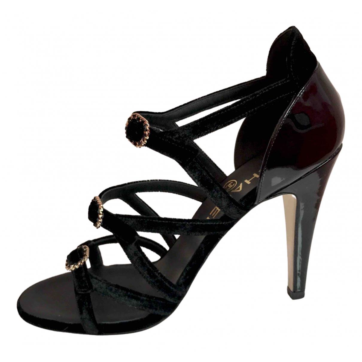 Chanel \N Sandalen in  Schwarz Lackleder