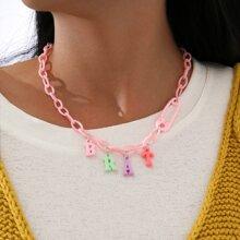 Halskette mit Buchstaben Dekor und Kette
