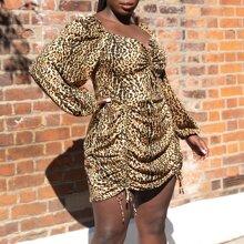 Vestido ajustado fruncido de leopardo