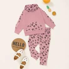 Baby Girl Graphic Print Kangaroo Pocket Hoodie And Sweatpants
