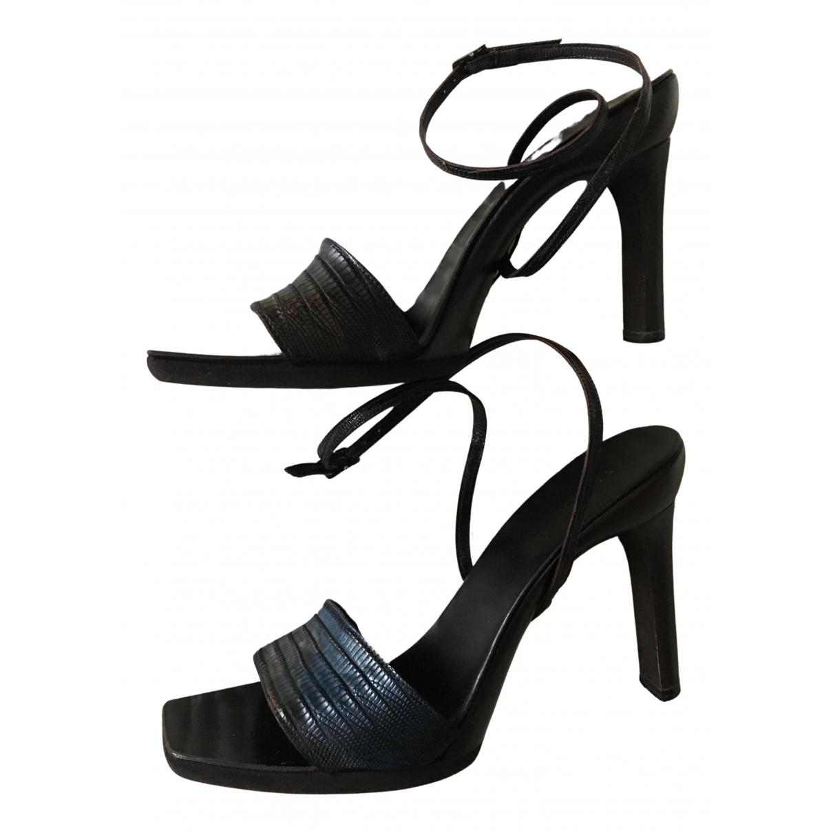 Fendi \N Sandalen in  Blau Echse