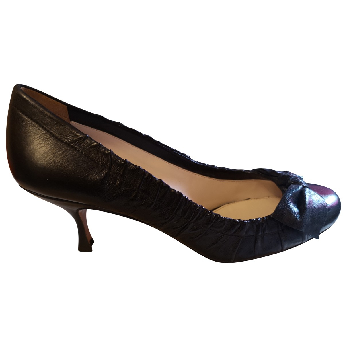 Prada \N Pumps in  Schwarz Leder