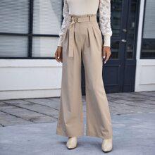 Hose mit Falten, Selbstband und breitem Beinschnitt