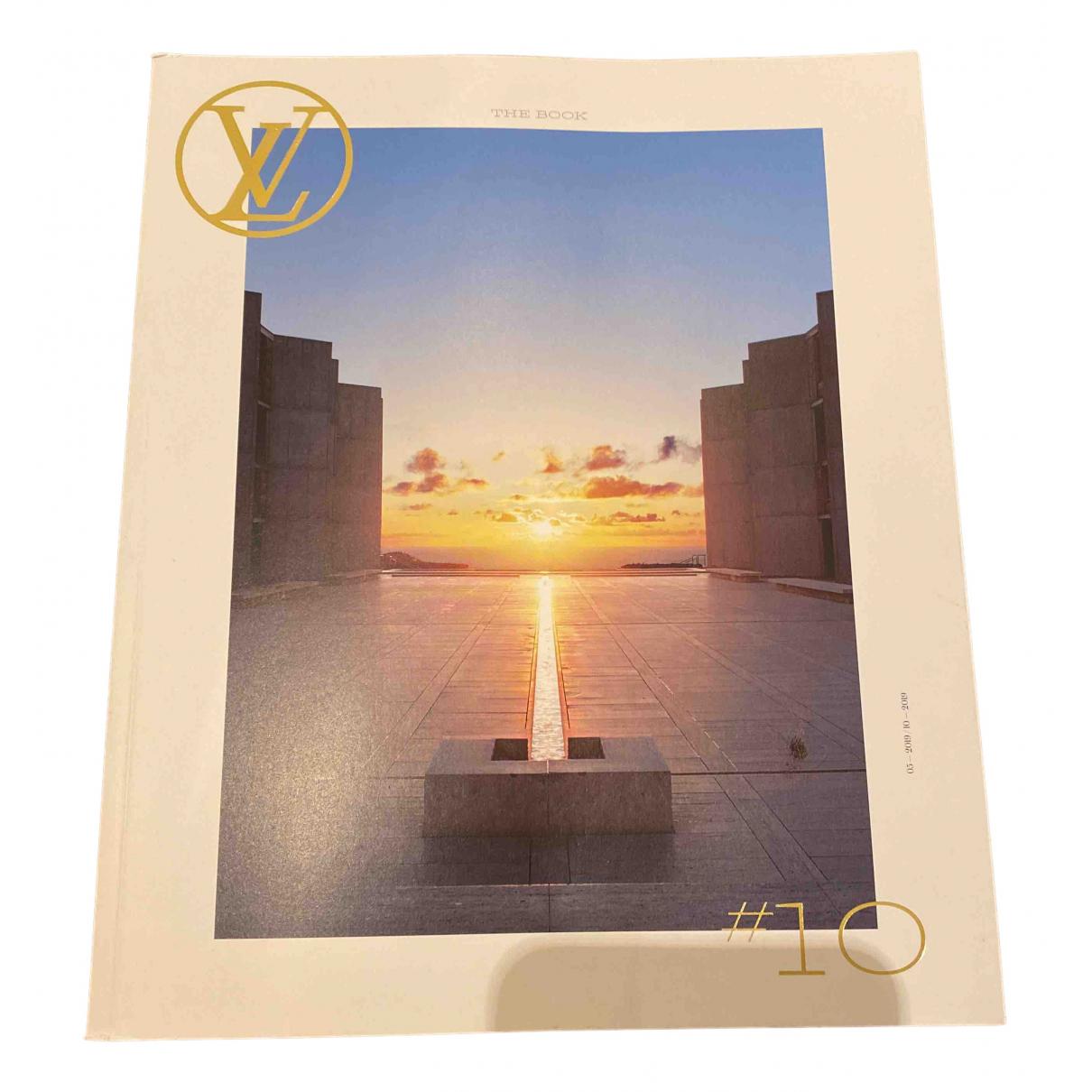 Louis Vuitton - Photographie   pour lifestyle en bois - blanc