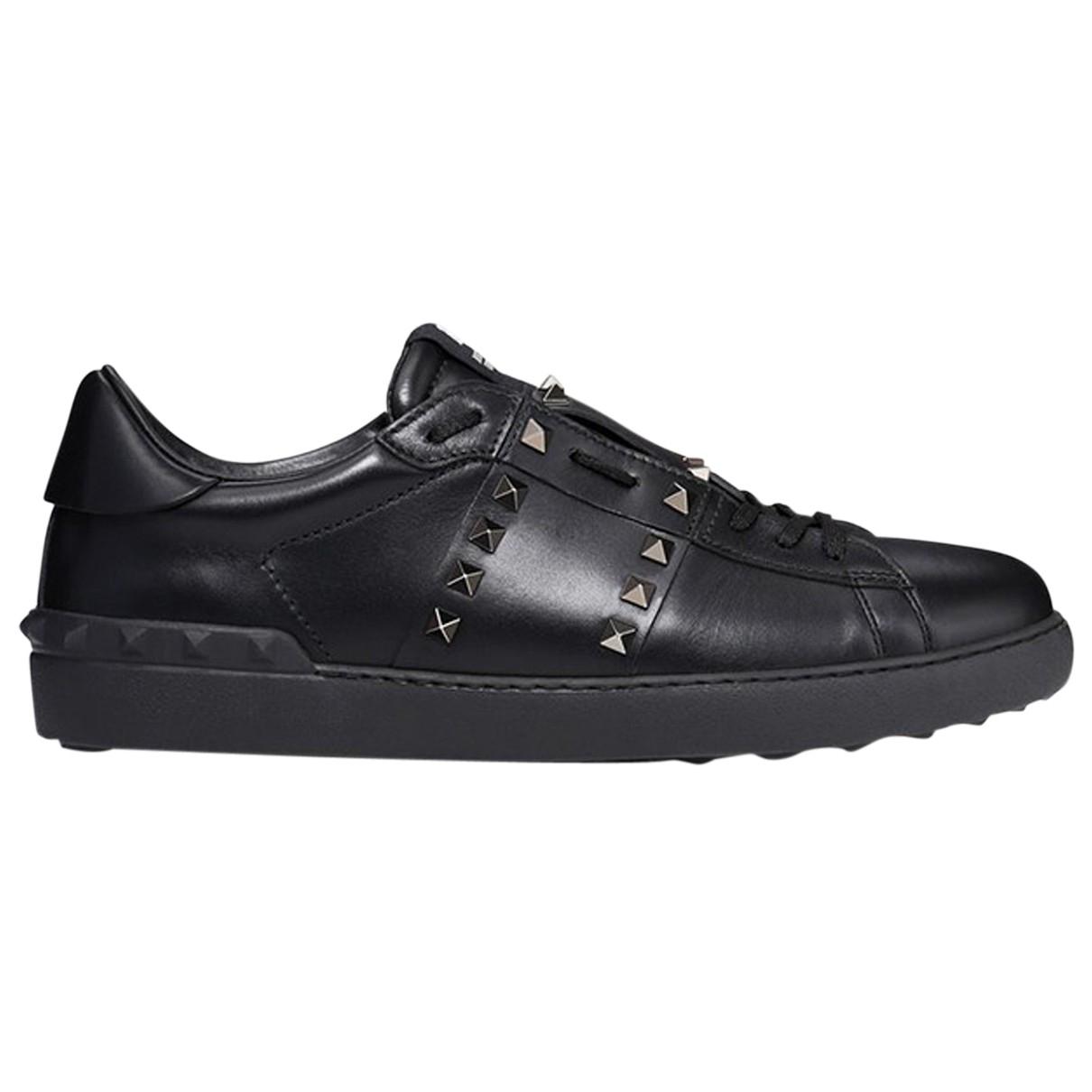 Valentino Garavani Rockstud Black Leather Trainers for Men 40.5 EU