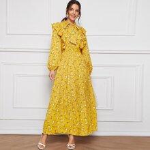 Maxi Kleid mit Bluemchen Muster, Band hinten und Rueschenbesatz