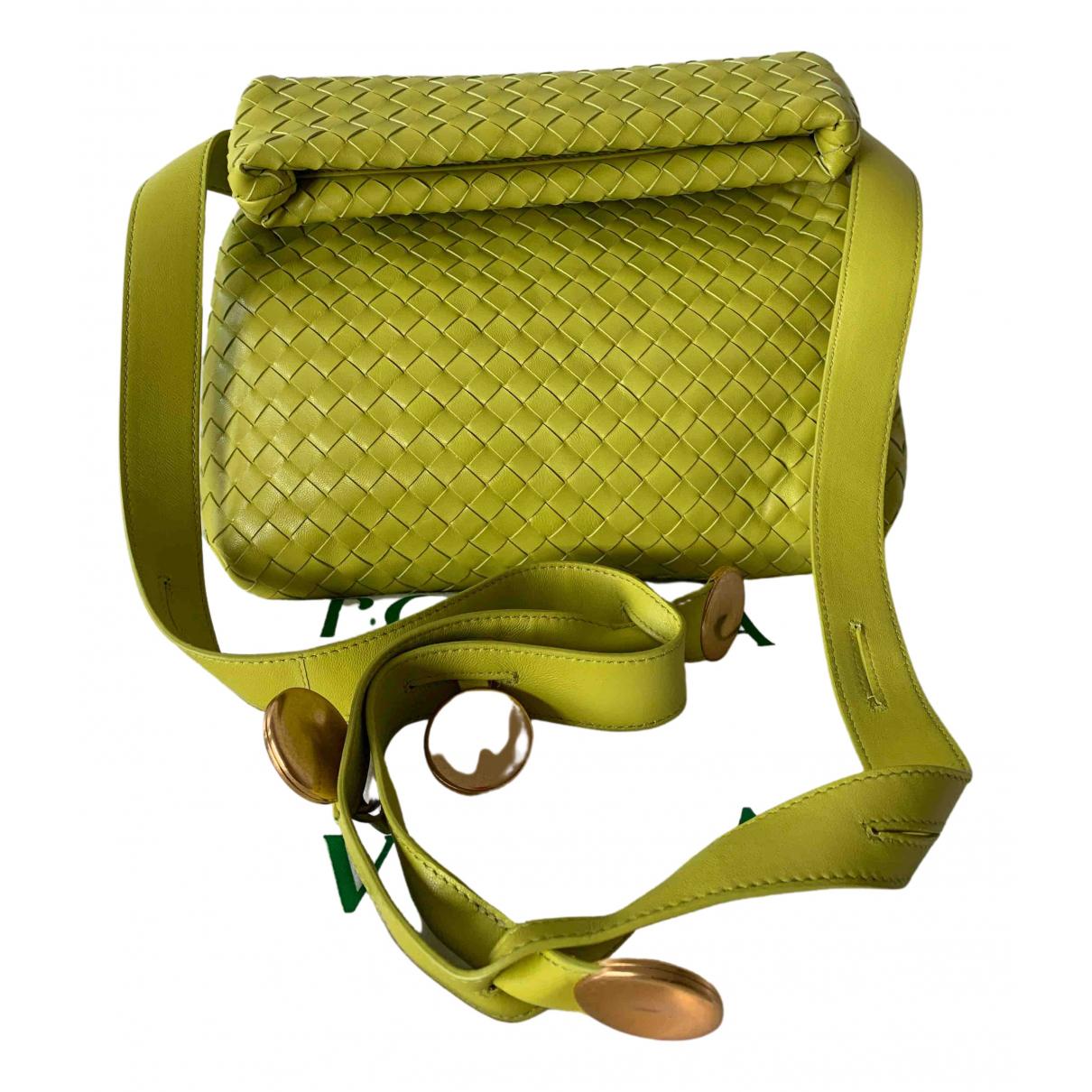 Bottega Veneta \N Handtasche in  Gruen Leder