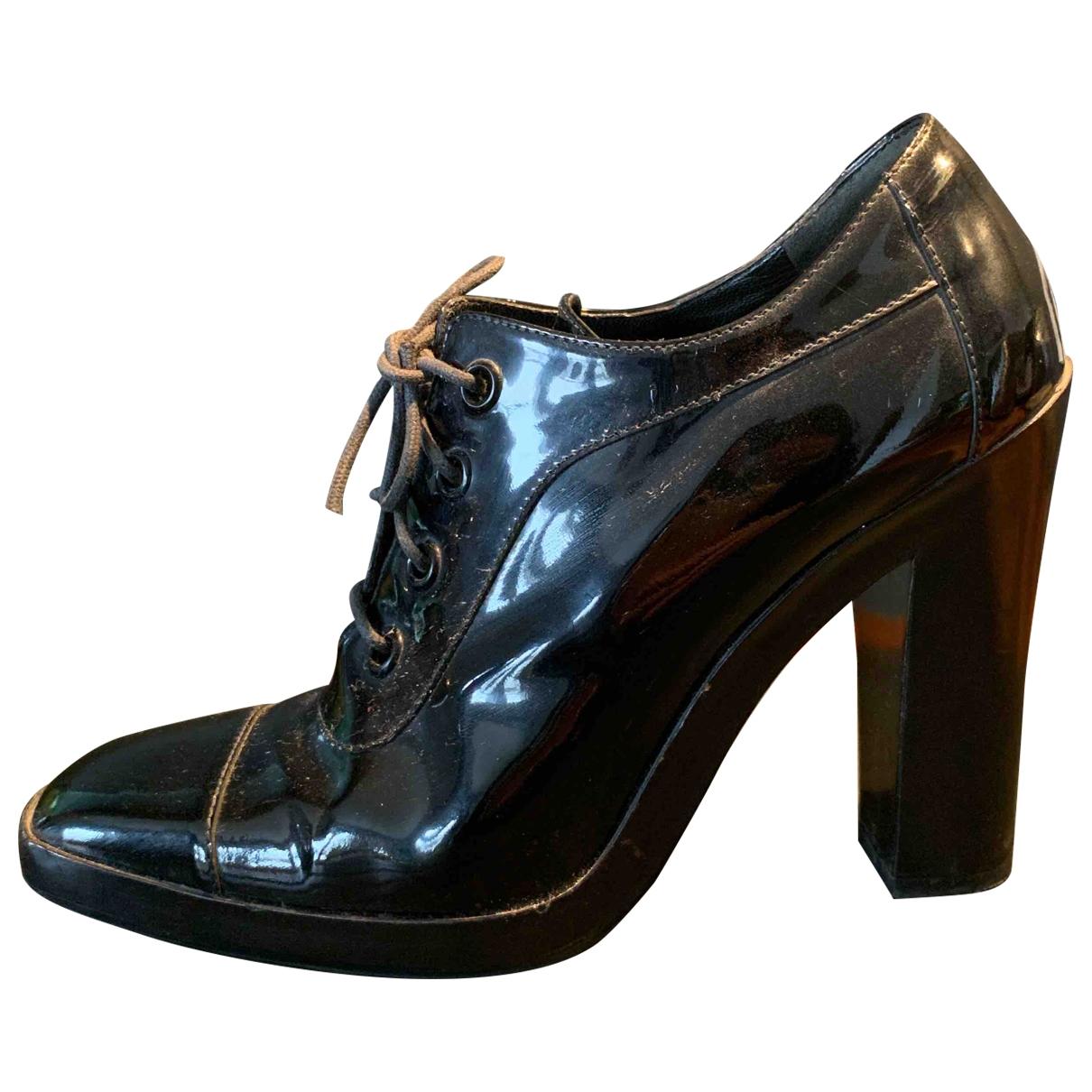 Balenciaga \N Stiefeletten in  Schwarz Lackleder