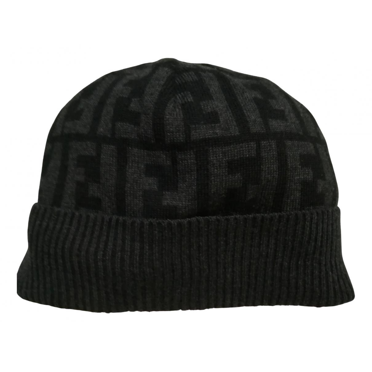 Sombrero / gorro de Lana Fendi
