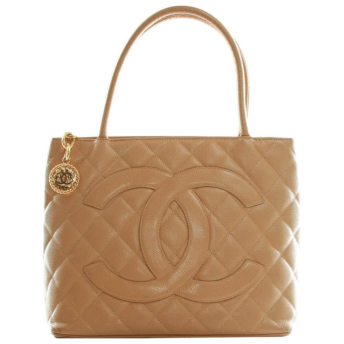 Chanel Médaillon Beige Leather handbag for Women \N