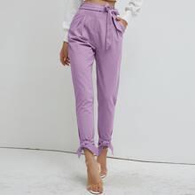 Hose mit Papiertasche Taille, Guertel und Knoten
