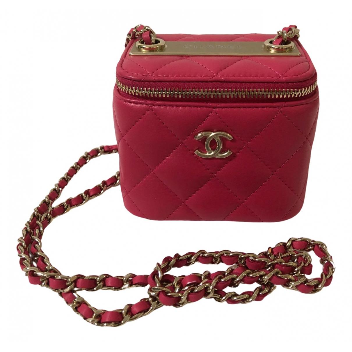 Chanel Vanity Pink Leather handbag for Women \N