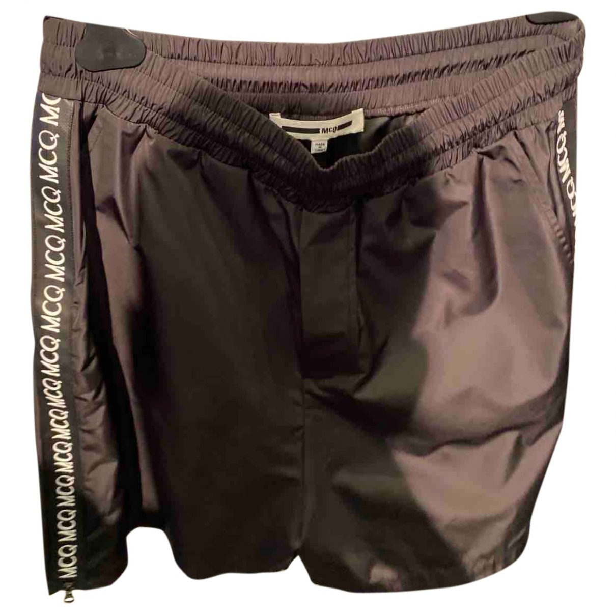Mcq \N Shorts in  Schwarz Synthetik