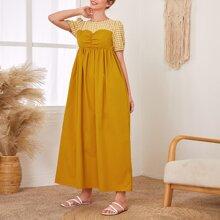 Kleid mit Karo Muster, Puffaermeln und Rueschen
