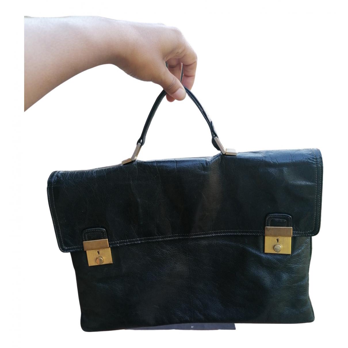Bottega Veneta \N Handtasche in  Schwarz Lackleder