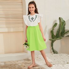 Girls Ruffle Trim Color Block Flower Embroidered Dress