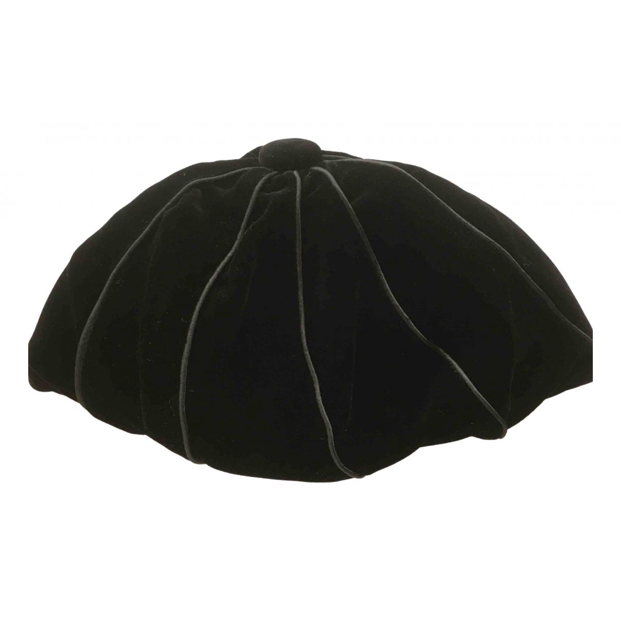 Emporio Armani - Chapeau   pour femme - noir