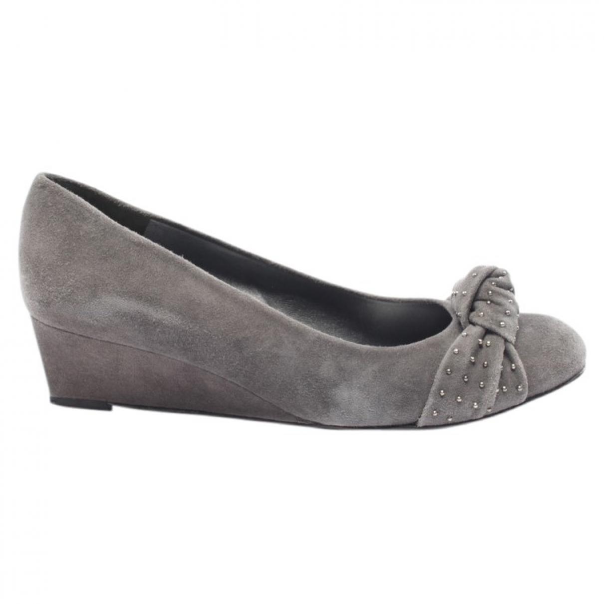Stuart Weitzman \N Grey Suede Heels for Women 38.5 EU