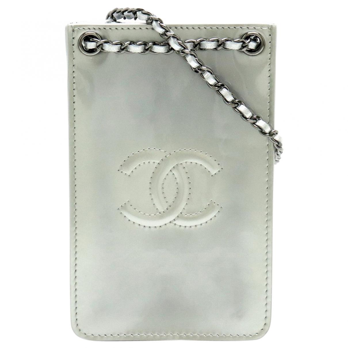 Chanel \N Silver Leather handbag for Women \N