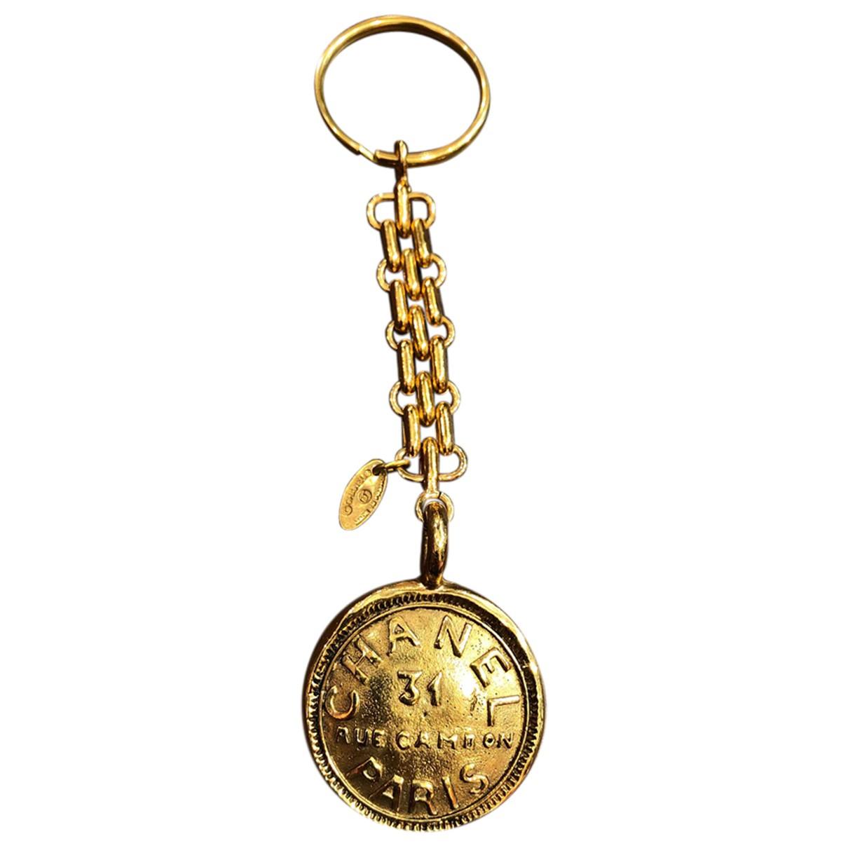 Chanel CHANEL Taschenschmuck in  Gold Metall