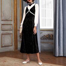 Vestido de tirantes de terciopelo ribete con encaje en contraste sin top