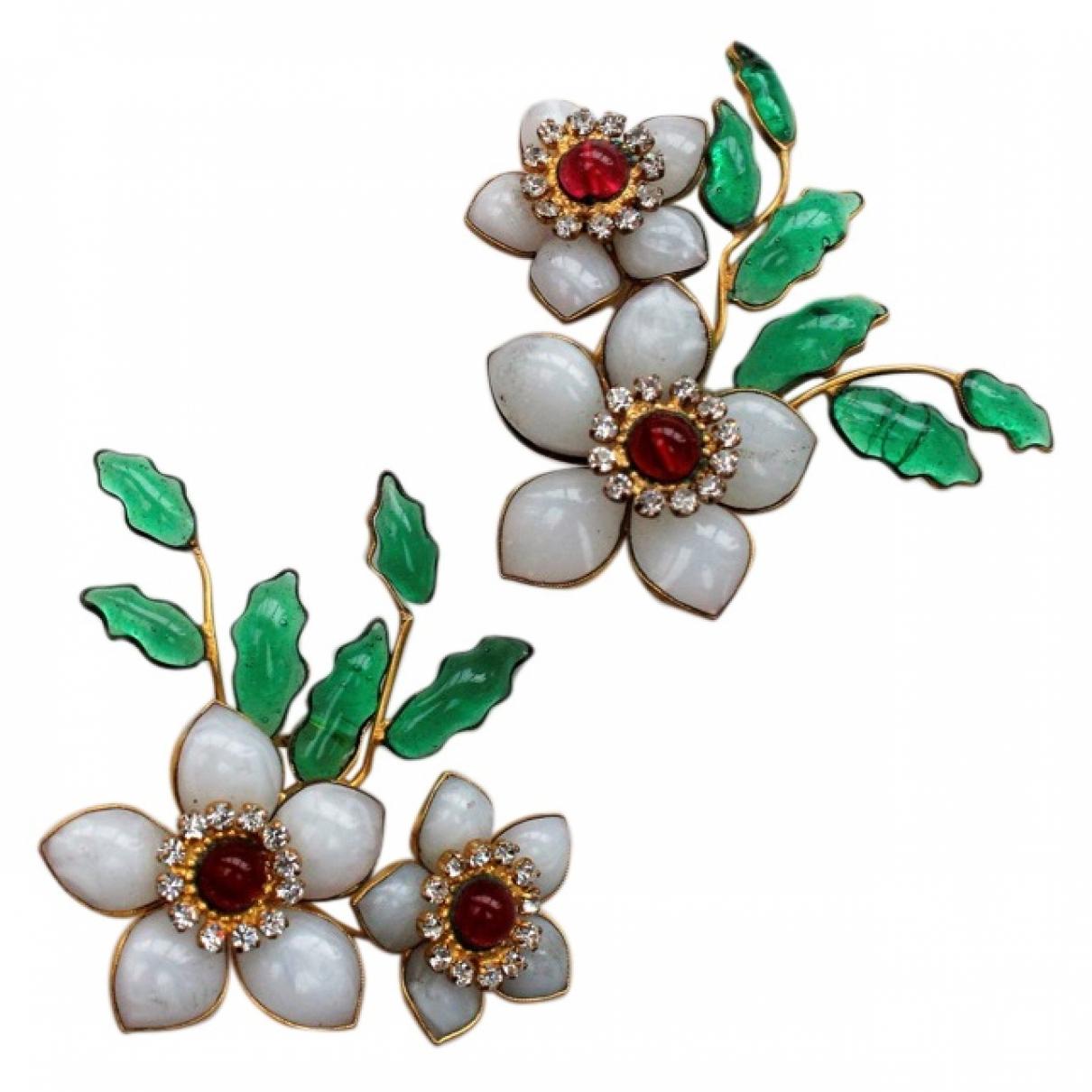 Chanel - Boucles doreilles Camelia pour femme en verre - blanc