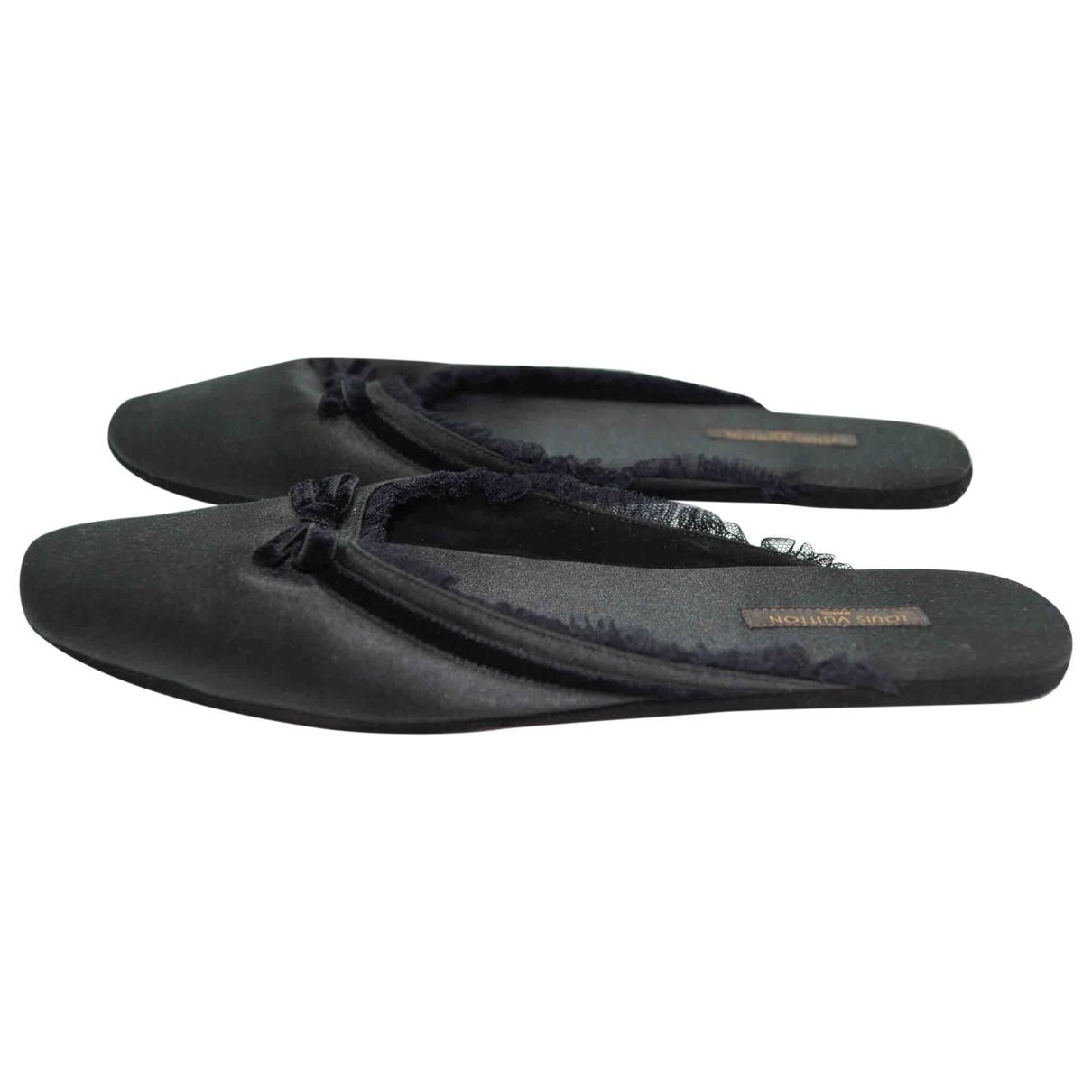 Louis Vuitton \N Black Cloth Flats for Women 35.5 EU