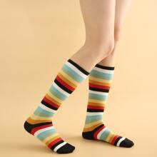 Calcetines de rayas vistosas