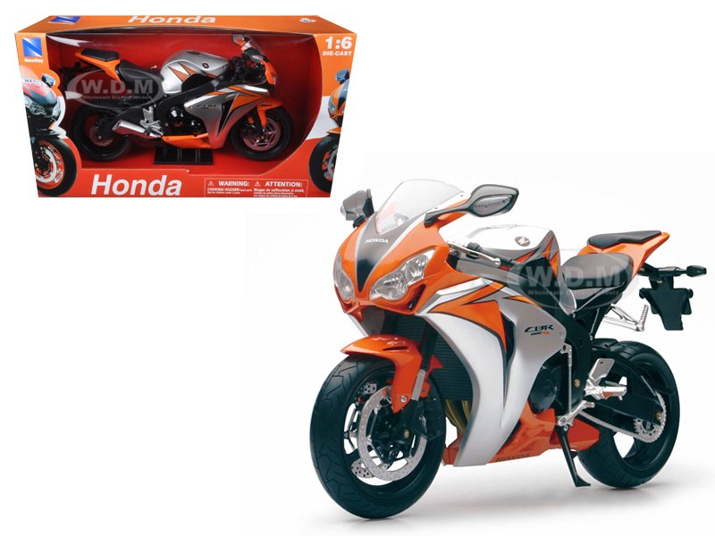 2010 Honda CBR 1000RR Motorcycle 1/6 Diecast Model by New Ray
