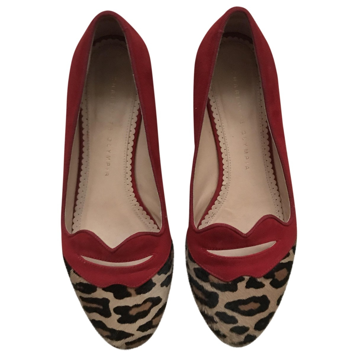 Charlotte Olympia \N Red Suede Ballet flats for Women 38 EU