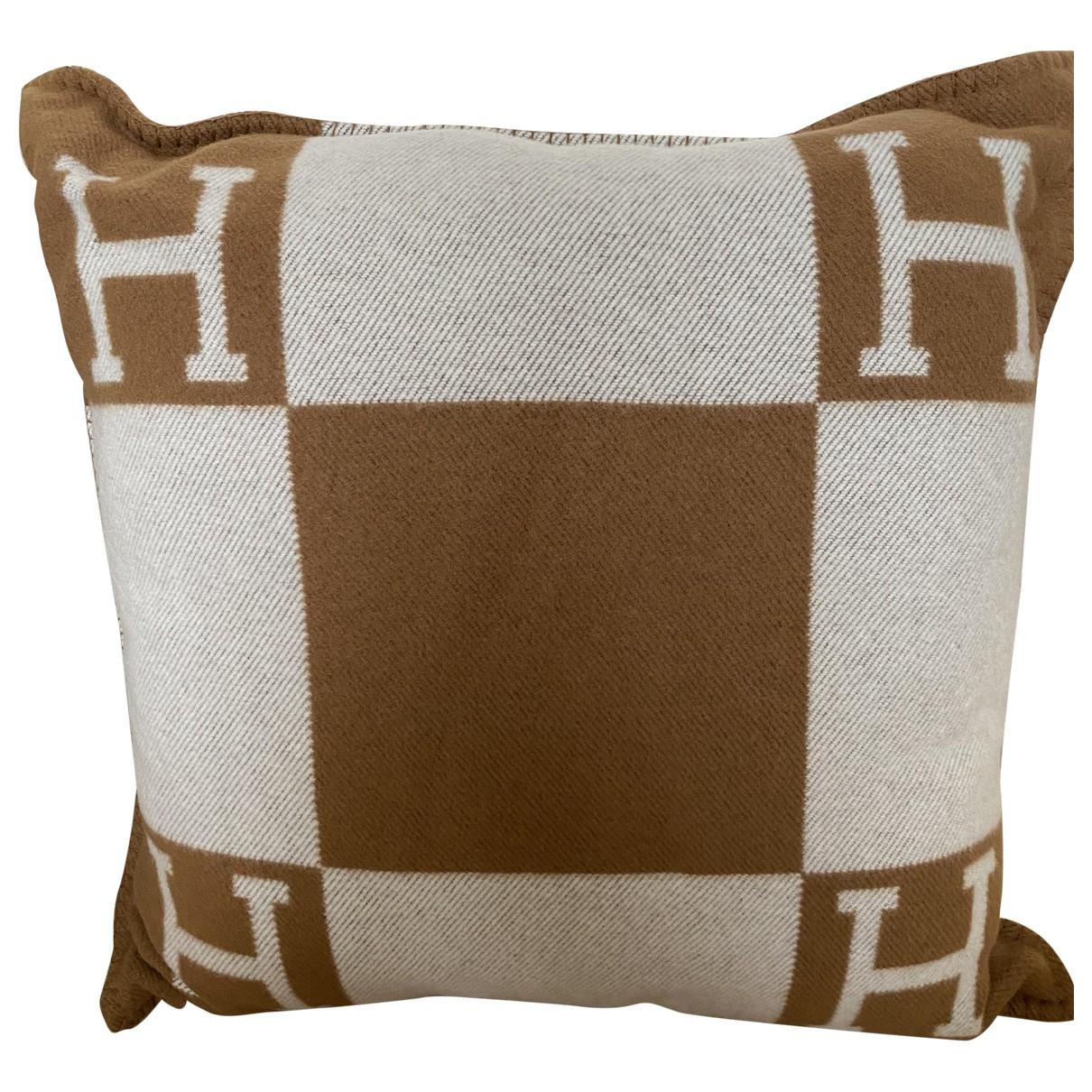 Hermes Avalon Heimtextilien in  Kamel Wolle
