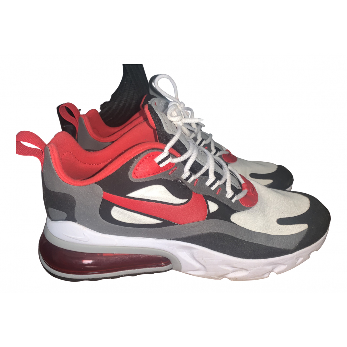 Nike Air Max 270  Sneakers in  Rot Leinen