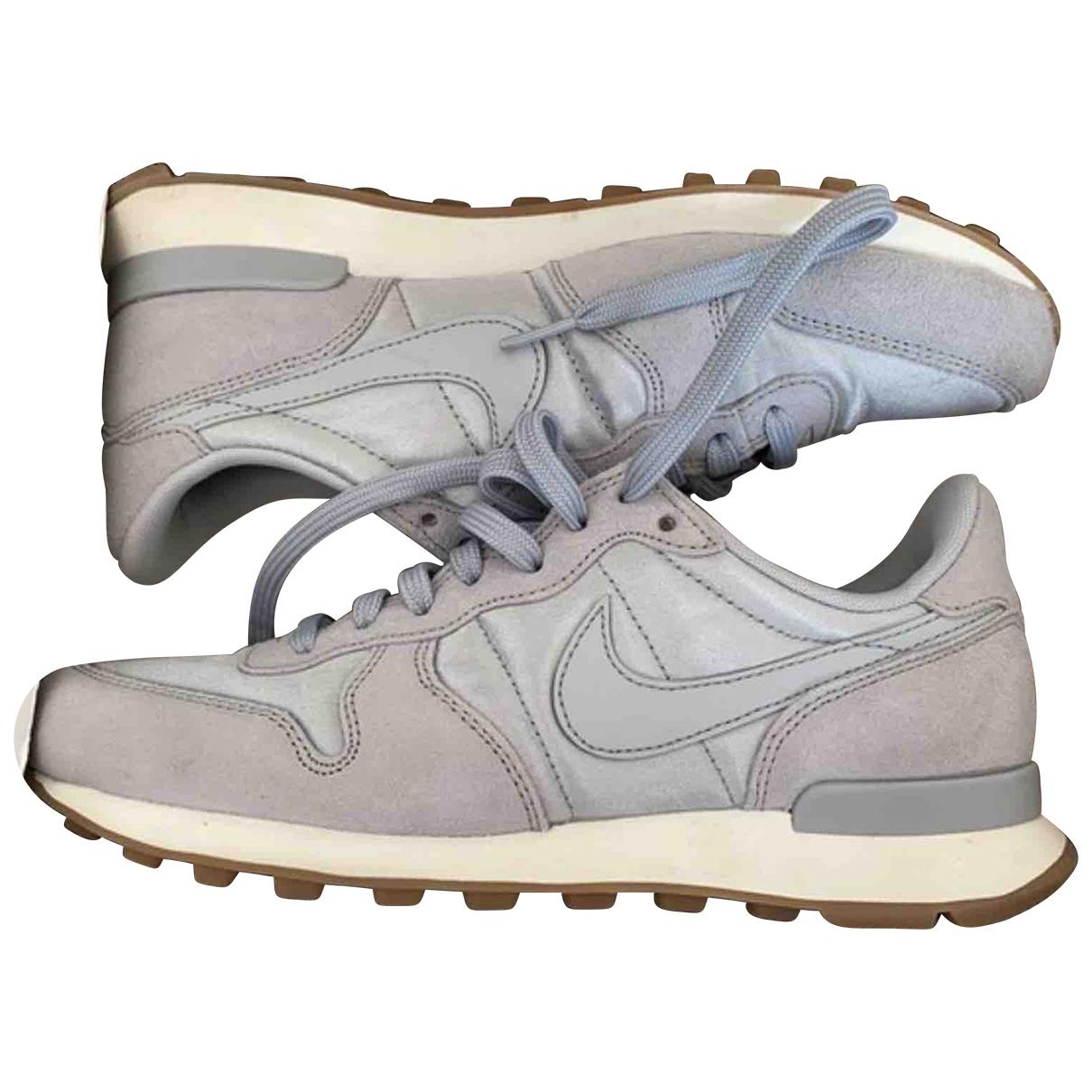 Nike Internationalist Sneakers in Leinen