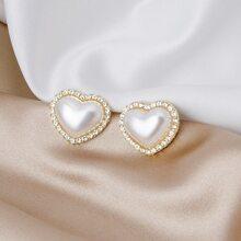 Rhinestone Heart Design Stud Earrings