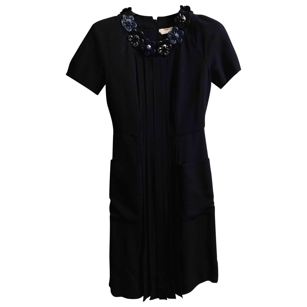 Fendi \N Kleid in  Schwarz Leinen
