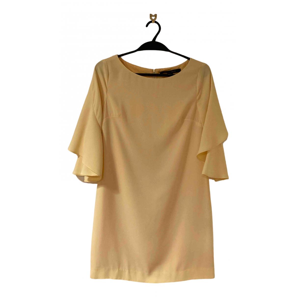 Cynthia Steffe \N Kleid in  Gelb Polyester