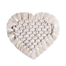 1 Stueck Herz formiges gewebtes Tischset