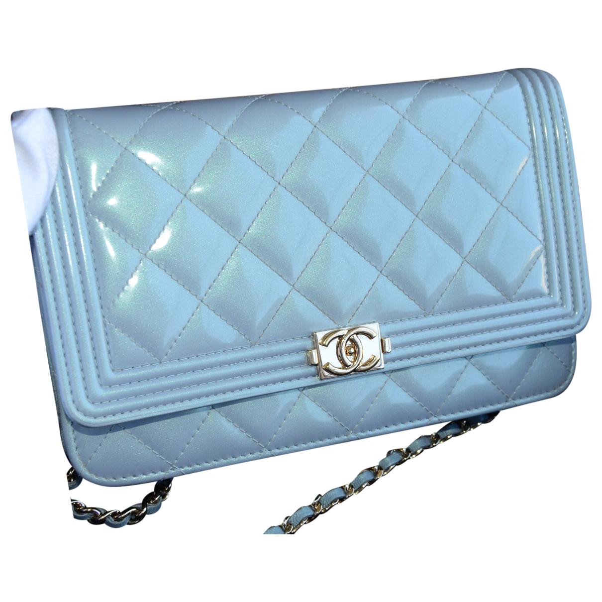 Chanel - Pochette Wallet on Chain pour femme en cuir verni - bleu