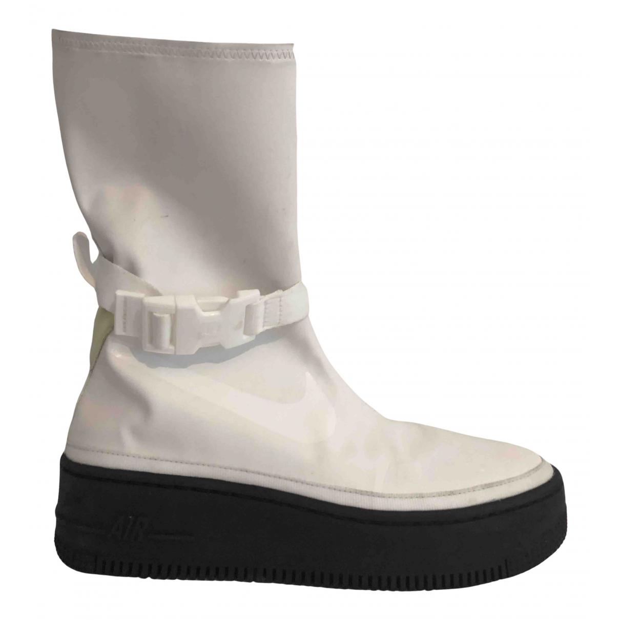 Nike - Bottes Air Force 1 pour femme - blanc
