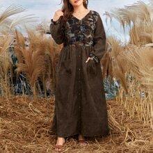 Kleid mit Batik Einsatz und doppelten Taschen