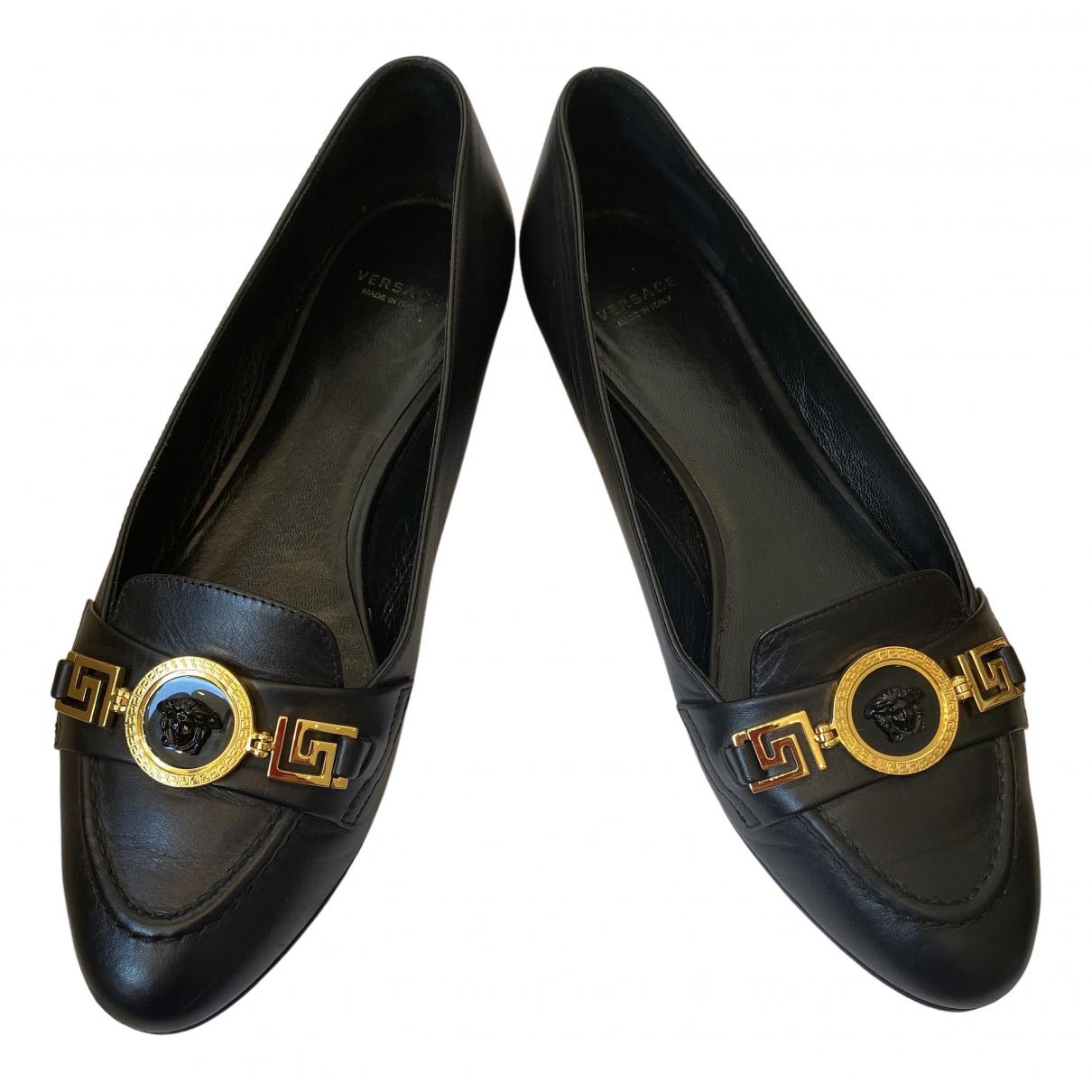 Versace \N Ballerinas in  Schwarz Leder
