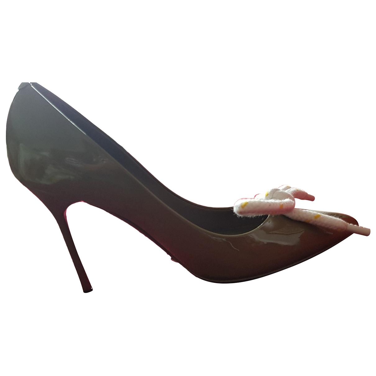 Burberry - Escarpins   pour femme en cuir - gris