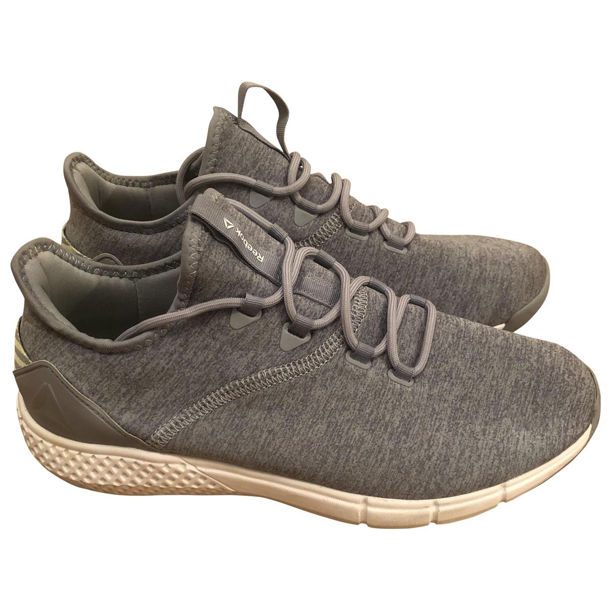 Reebok \N Sneakers in  Grau Leinen