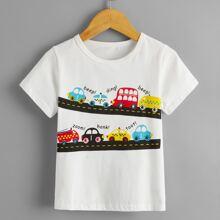Camiseta de niñitos con estampado de letra y coche de dibujos animados