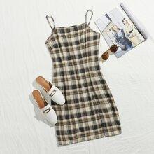 Kleid mit Schlitz und Karo Muster