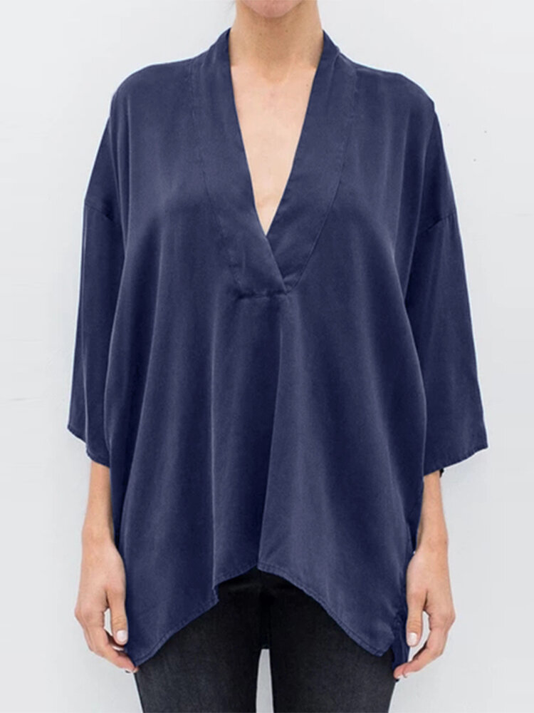 Solid Color V-neck 3/4 Sleeve Plus Size Loose Blouse