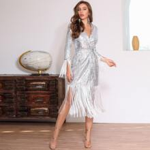 DKRX Kleid mit Fransen Detail, Guertel, Knoten und Pailletten